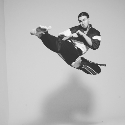 Matt Fiddes flying kick